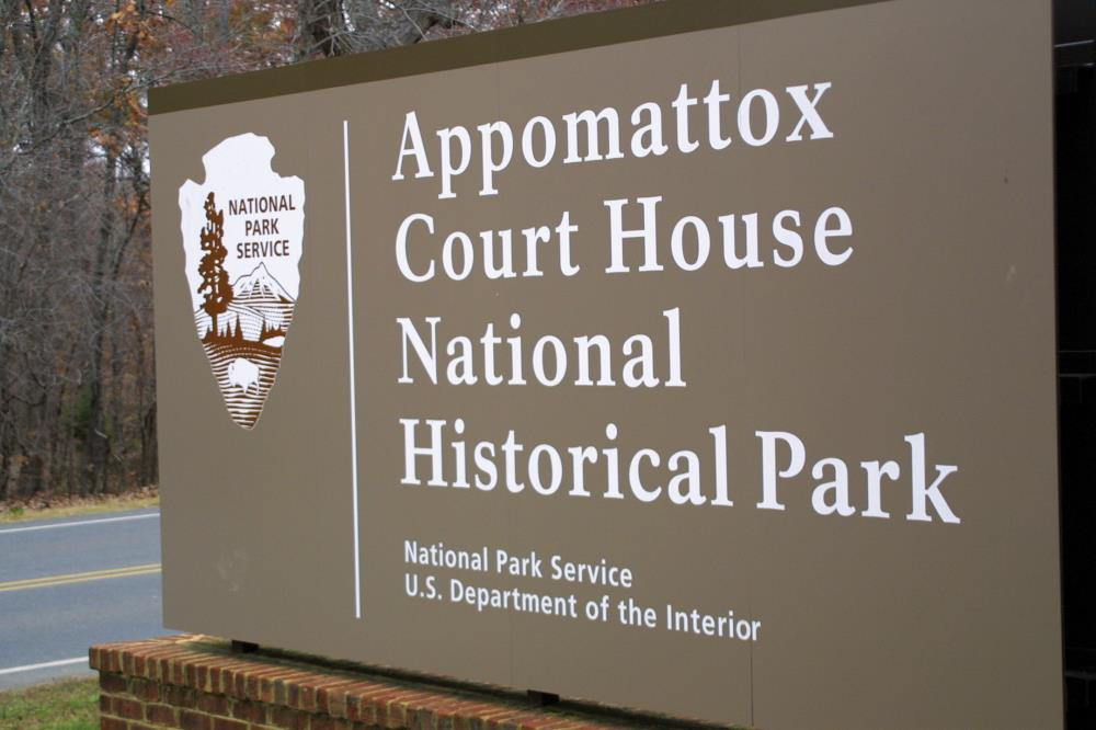 Photo of entrance sign at Appomattox Court House National Historical Park